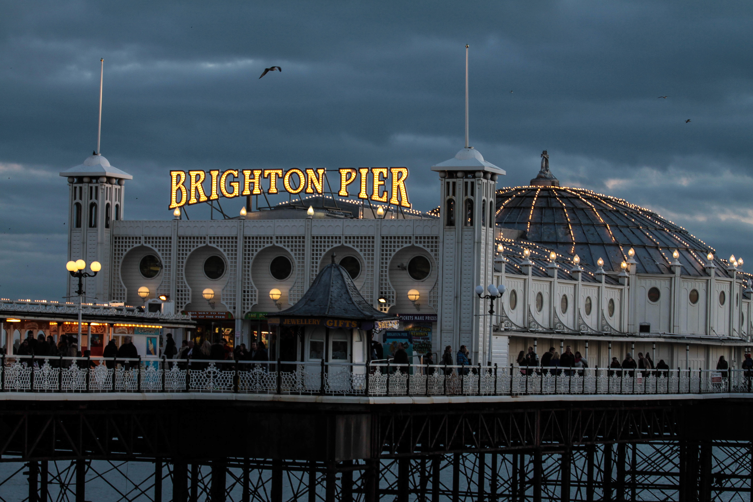 Brighton_Palace_Pier_022_(credit_Hugo_Michiels).jpg
