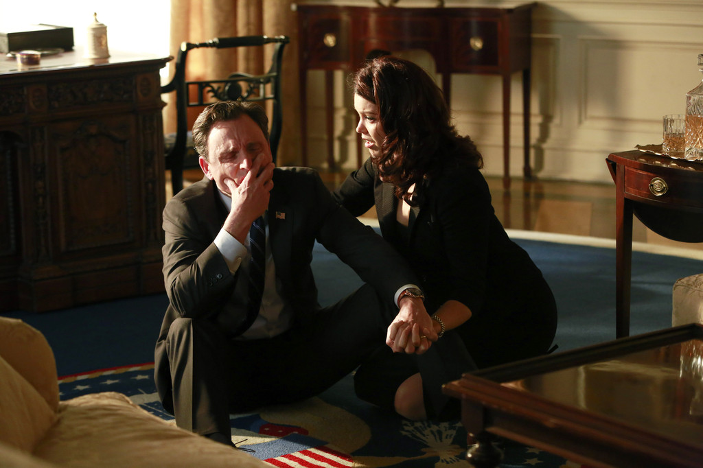 A nutty finale for 'Scandal,' TV's craziest show