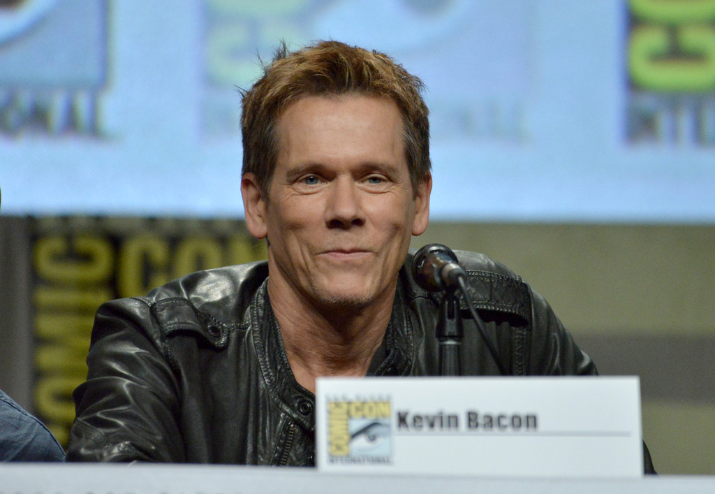 Kevin Bacon brings his 'Six Degrees' to Comic-Con