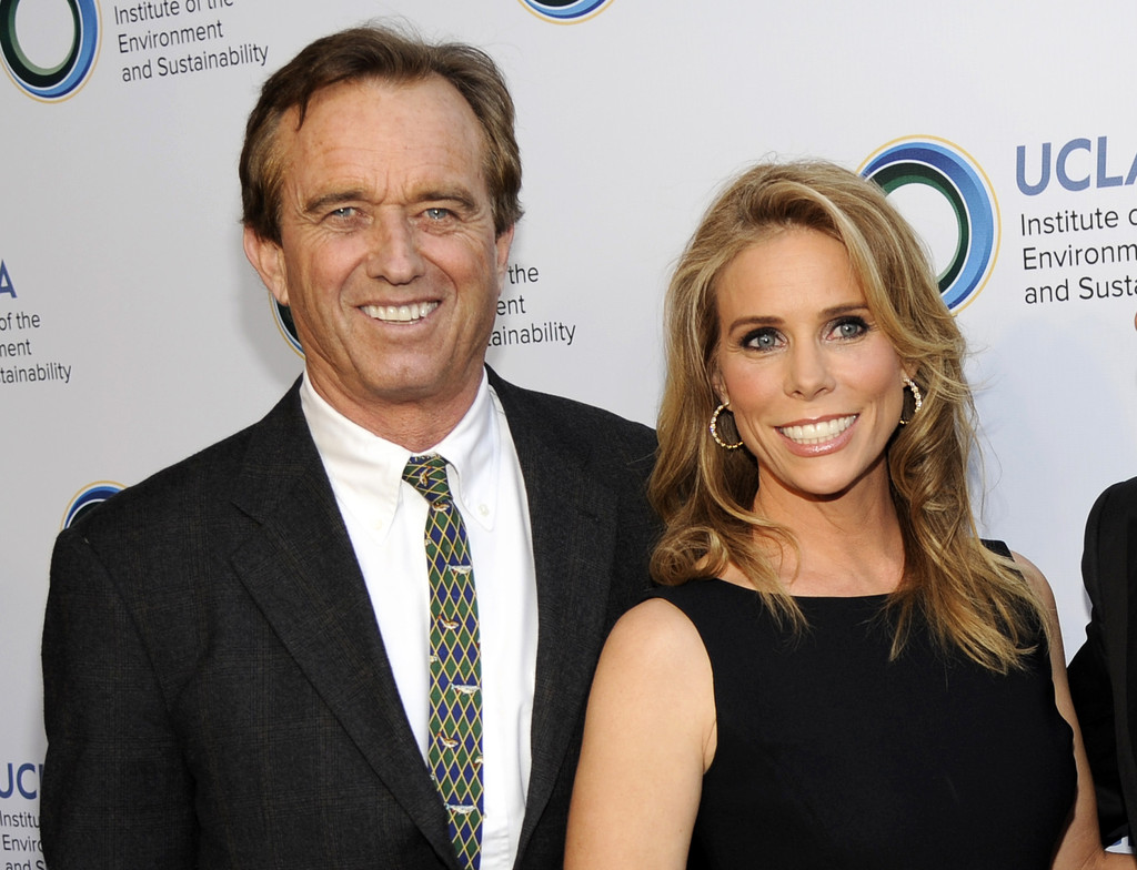 Robert Kennedy Jr. to marry actress Cheryl Hines