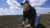 Farmers off to slow start planting corn crop
