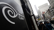 Comcast, Time Warner executives to face critic at merger hearing