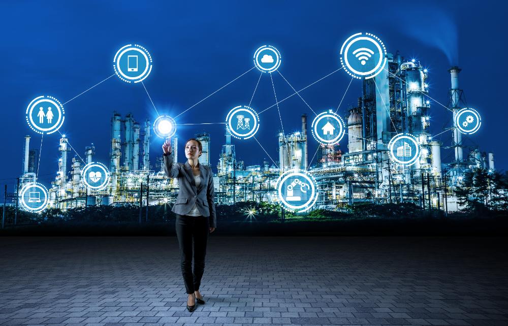 メインビジュアル : 「OT」と「IT」の融合は、製造業界で新しいビジネスチャンスを生む
