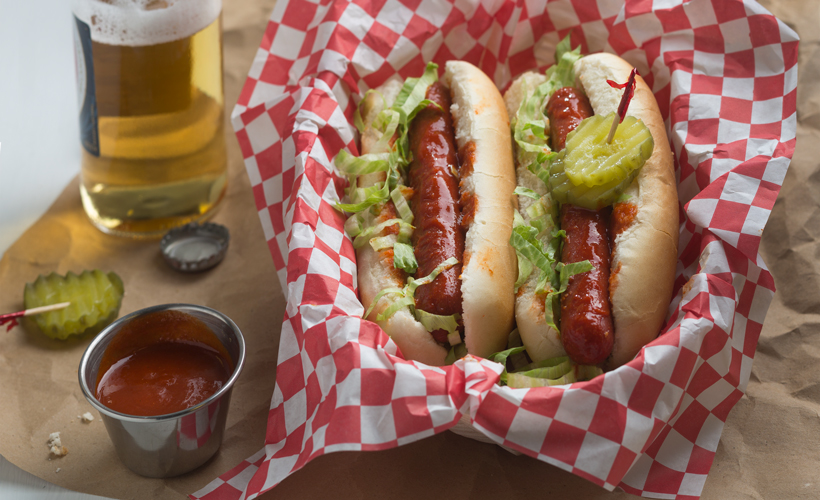 Nashville-Hot-hotdog_Hot-Hot-Dog-Toppings_Hebrew-National_820x500.jpg