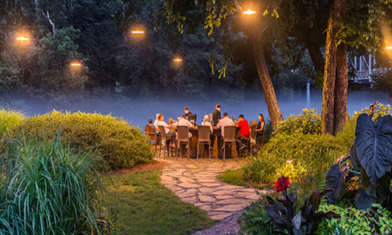 Canoe creates magnificent settings for special events in its outdoor space.
