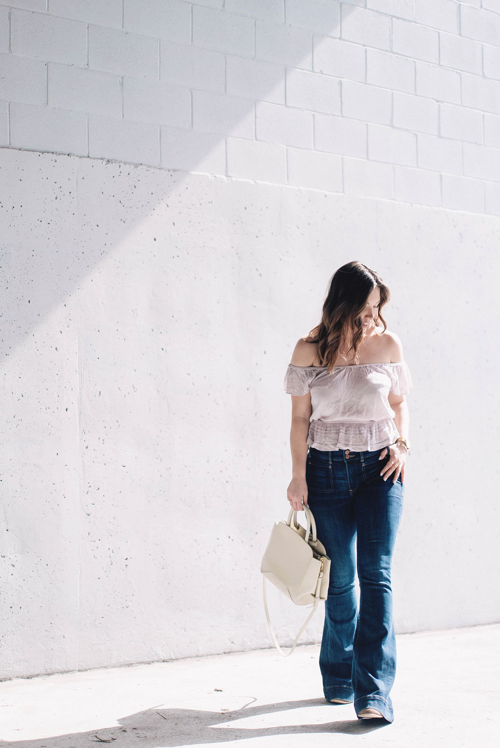 10-how-to-wear-off-the-shoulder-top.jpg