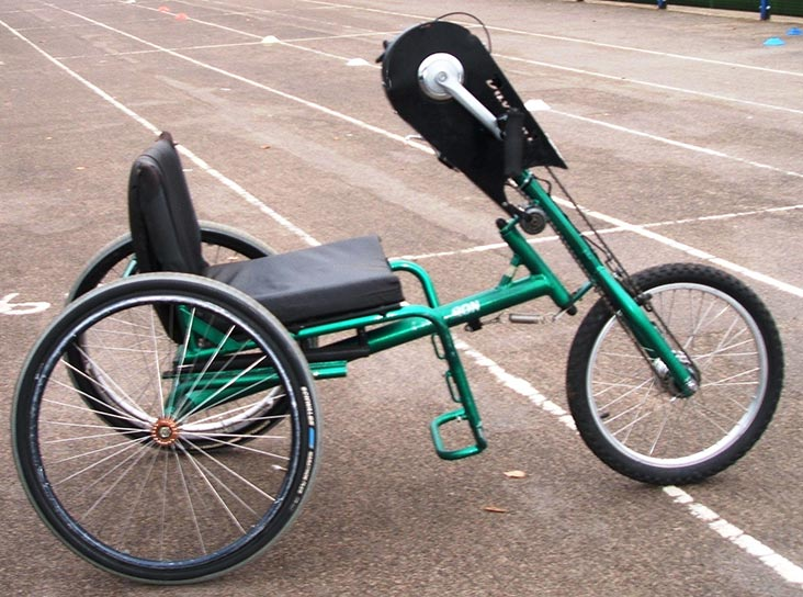Tricycle with hand cranks