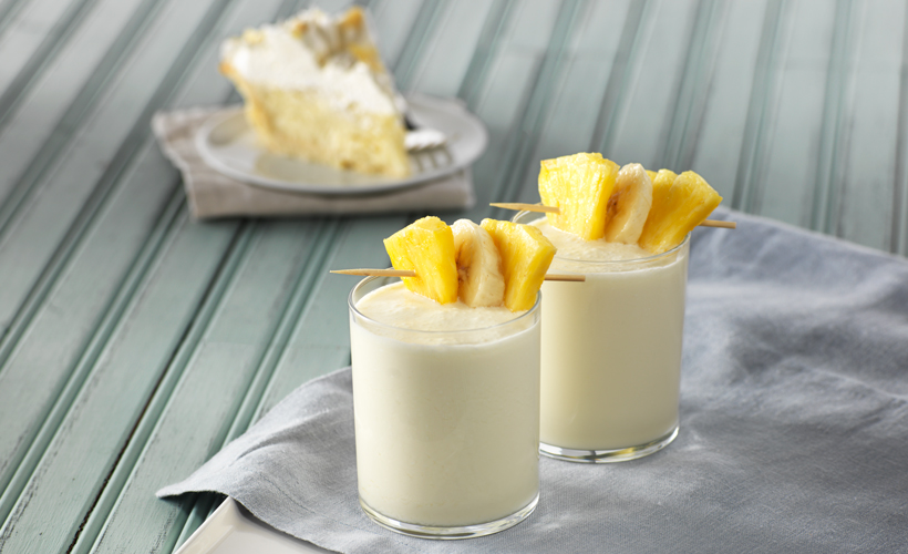 Pineapple-Banan-Pie-Shake_MC-Summer_820x500.jpg