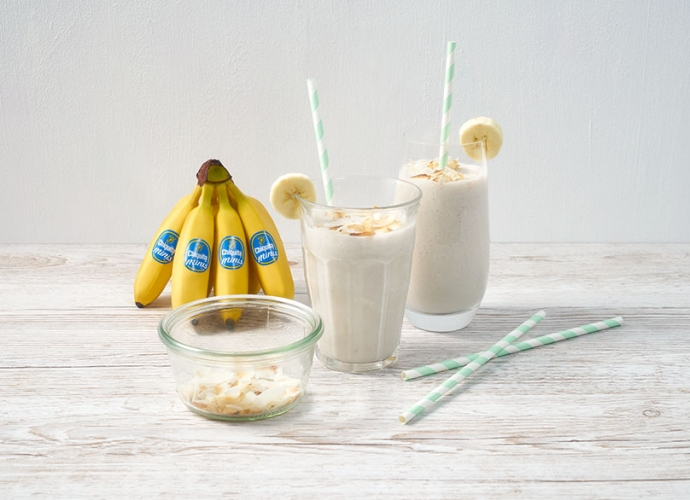 recipies_RE07_dm_0027_Mini_Banana_Coconut_Smoothie_3.jpg