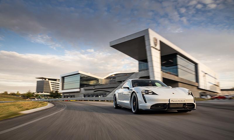 Give Dad a trip around the track at Porsche Experience Center Atlanta.