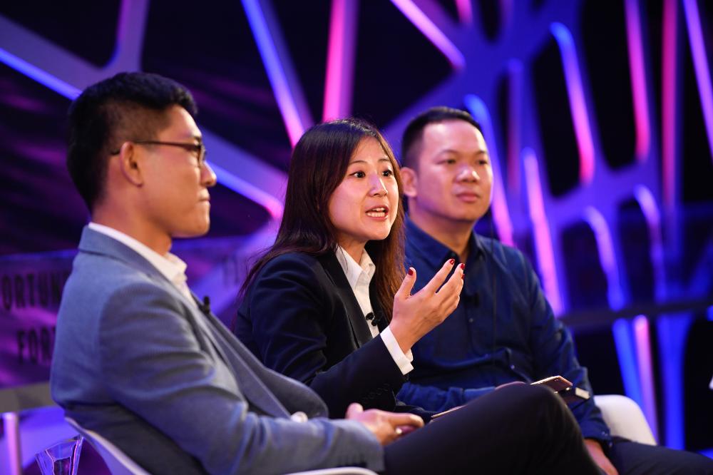 メインビジュアル : AI教師にAIアシスタント、AIを使った学習が中国でブームに