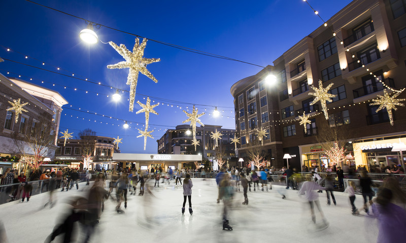 Avalon is home to one of several ice skating rinks in Atlanta.