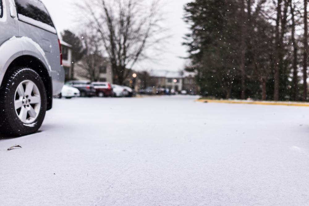メインビジュアル : ロボットによる運転代行で憂鬱な雪道を過去のものに