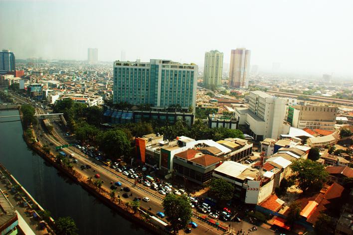 メインビジュアル : 経済成長著しいインドネシアの交通渋滞緩和に貢献する新しいサービスとは