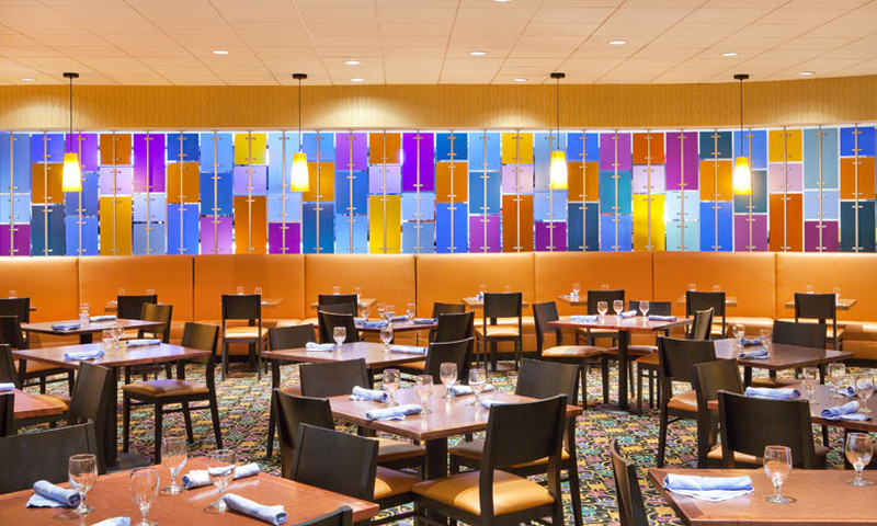 Collage at the Atlanta Sheraton has a la carte lunch offerings and a buffet.