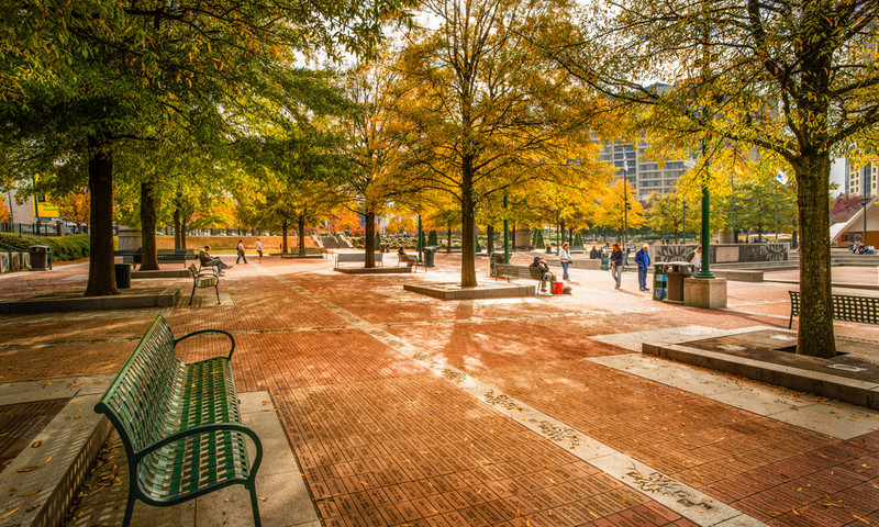 Enjoy scenic spaces like Centennial Olympic Park. (James Duckworth, AtlantaPhotos.com)