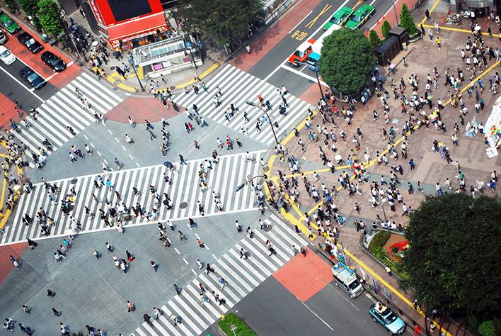 メインビジュアル : ビッグデータに「心理分析」を取り込む!九州大学と富士通が実現する「暮らしやすい」社会