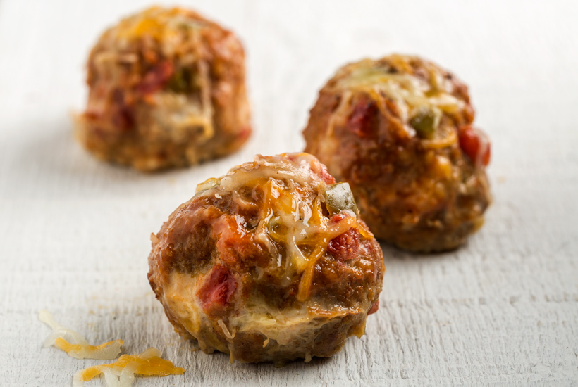 Mini-Tex-Mex-Turkey-Meatloaves_Muffin-Pan-Recipes_2015_PAM.jpg
